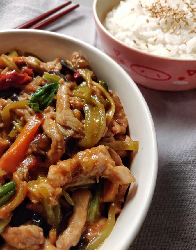 Sichuan Shredded Pork (鱼香肉丝 Yu Xiang Rou Si)